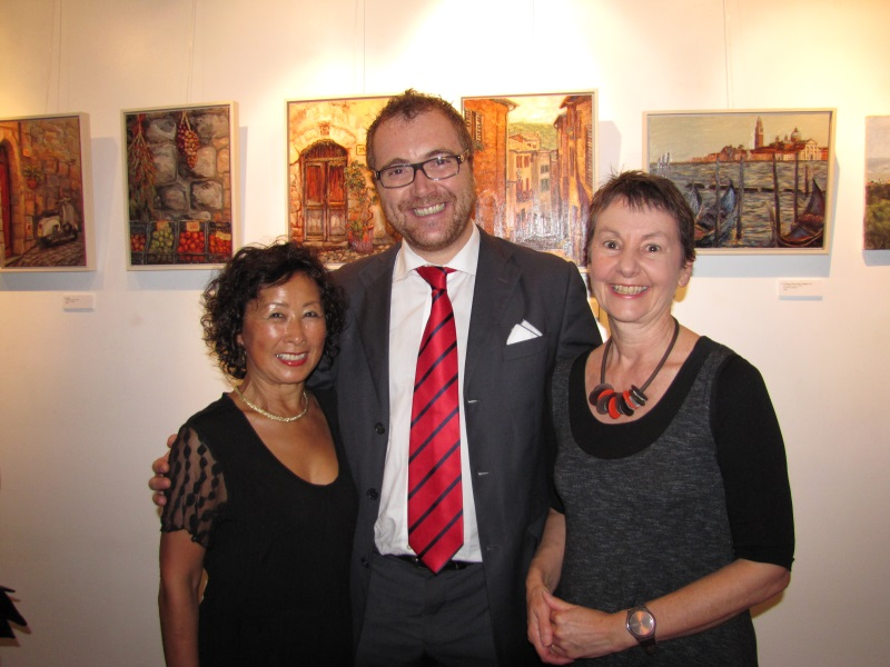 "With Masako Gordon, fellow artist, and Luca de Leonardis from Italian Chamber of Commerce and Industry, opening night ""For the love of Italy"" Exhibition"
